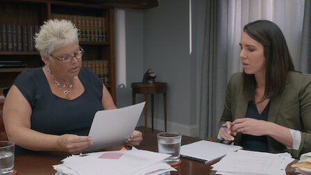 Femeia care cauta camera impotriva serviciului